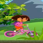 دورا تركب الدراجة