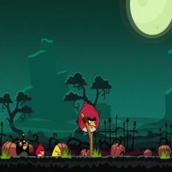 لعبة الطيور الغاضبة والغابة المخيفة