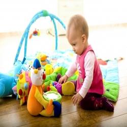 طفل في المنزل .. انشودة مكتوبة للاطفال